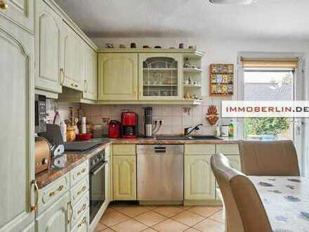 IMMOBERLIN: Freundliches vermietetes Einfamilienhaus in sehr schöner Lage