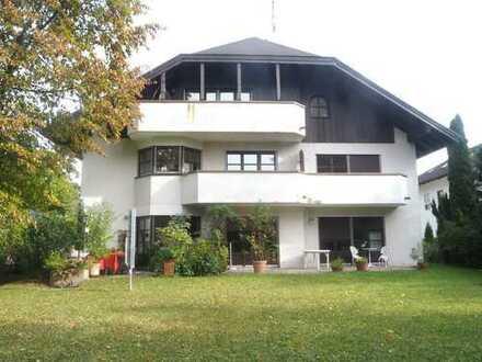 Schöne 2-Zimmer-DG-Wohnung in idyllischer Lage in Waldtrudering