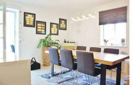 Schöne moderne 5- Zimmer Wohnung am Schlosspark