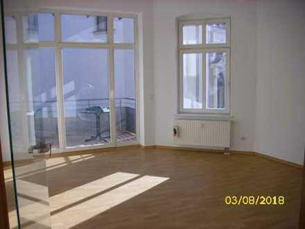 Schöne, geräumige zwei Zimmer Wohnung in Hohenstein-Ernstthal