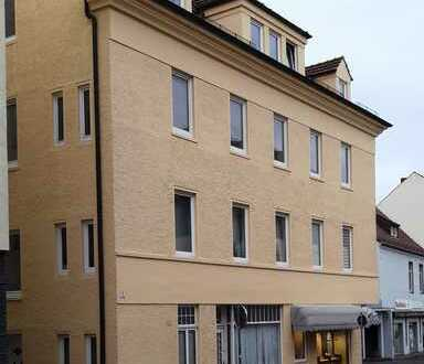 SOLLER - IMMOBILIEN 4 Zimmer - Altbauwohnung in zentraler Lage