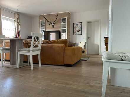Neuwertige Wohnung mit zweieinhalb Zimmern sowie Balkon und Einbauküche in Frankenthal (Pfalz)
