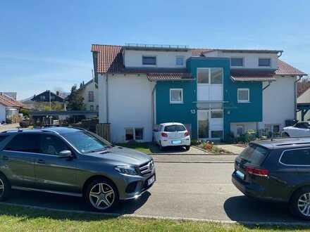 Hochw. 4,5-Zi.-DG-Wohnung mit 115 m², 2 Balkonen, Carport und Stellplatz Nähe Tübingen