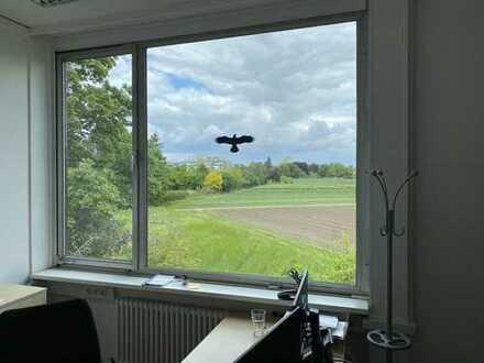 Büro-/Praxis-/Gewerberäume (Gebäude) in Berlin-Dahlem, Blick ins Grüne, eigener Garten, Parkplätze
