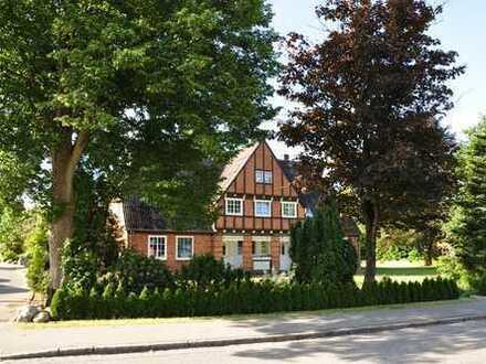 Historisches Landhaus mit zwei Wohneinheiten