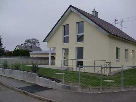 Sehr schönes Einfamilienhaus, geeignet für 2 - 3 Personen