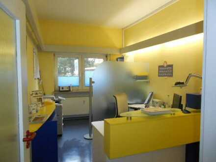 Büro/Praxis auf 2 Etagen in zentraler Lage in MA-Seckenheim.