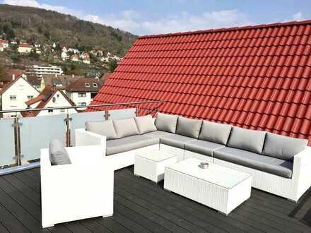 Neuwertige DG-Wohnung mit fünfeinhalb Zimmern sowie Balkon und EBK in Künzelsau