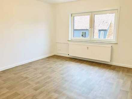 SOFORT VERFÜGBAR: Renovierte Single-Wohnung mit Tageslichtbad!