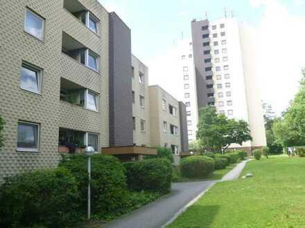Helle und geräumige 4 Zimmer Wohnung mit zwei Bädern und zwei Balkonen ab sofort zu vermieten