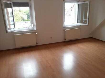 Schöne, sanierte 2-Zimmer-DG-Wohnung in Eisenberg