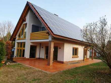 * Repräsentatives unterkellertes Architekten- / Einfamilienhaus * 15537 Gosen b. Erkner * + Ertrag *