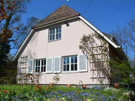 Schönes, geräumiges Haus mit sieben Zimmern in Erlangen, Burgberg