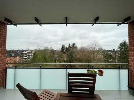 Helle Wohnung mit Balkon zentral in Wandsbek