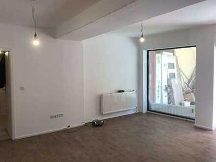 Erstbezug: frisch renovierte 3 Zimmer Wohnung im EG