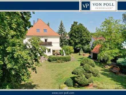 Herrschaftliche Villa auf großzügigem Anwesen
