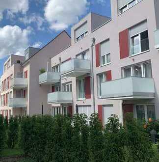 Sehr schöne 3-ZW mit Balkon inkl. EBK im 1. OG in zentraler Lage von Eschborn!