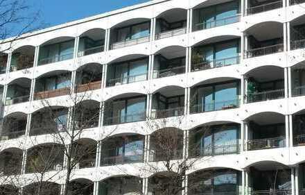 Prinzregentenhof - Sonnige, moderne 2-Zimmer-Wohnung mit Süd-Balkon in Bogenhausen, München