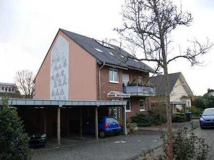 WohnSache***Gemütliche Dachgeschosswohnung mit Einbauküche und Carport am Naturschutzgebiet***