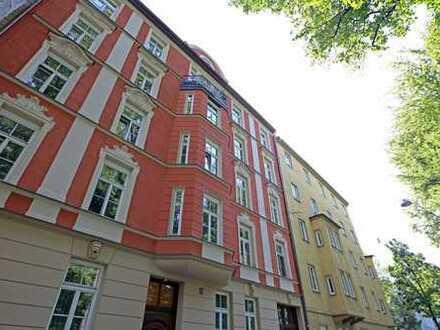 Sehr schöne Altbauwohnung im neubarocken Jugendstilbau direkt an der Isar in der Au!