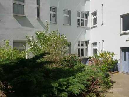 Prenzlauer Berg: Gewerbe zum Gewerben. 3 Zimmer. Gut vermietet. 3,54% Rendite