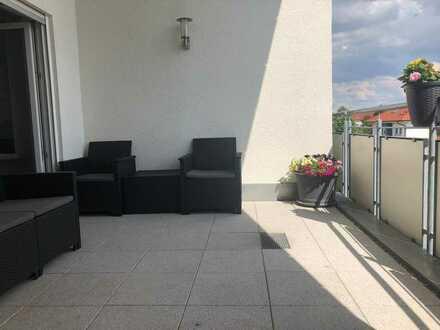 Exklusive, neuwertige 5-Zimmer-Maisonette-Wohnung mit Balkon und EBK in Sachsenheim