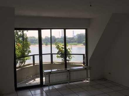 Wohnen auf der Sonnenseite Kölns...Sonnendurchflutete Maisonette-Wohnung...Direkte Rheinlage.