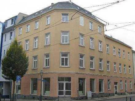 Große Dachgeschoss-Wohnung in City-Nähe