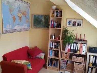 Helles 14m²-Zimmer in 2er WG , 340 € (auf Wunsch teilmöbl. o. Zwischenmiete)