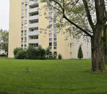 Helle und ruhige 3-Zimmer-Wohnung mit Balkon in Aubing