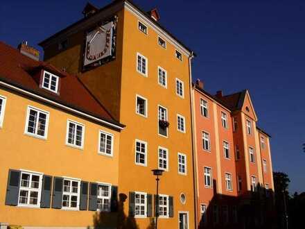 Tolle - helle - ruhige Wohnung mit kleiner Loggia und großer Wohnküche