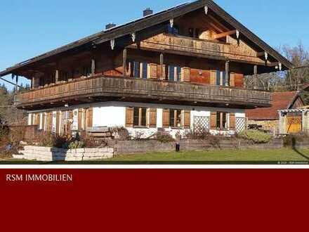 Hier könnten auch 3 Generationen leben - hochwertiges Vollholzhaus!
