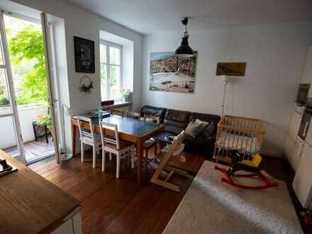 3-Zimmer-Hochparterre-Wohnung, Balkon u. Gartenmitbenutzung im Inneren des Thelottviertels Augsburg