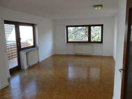 Helle 3-Zimmer Wohnung mit neuer EBK Reihe in Stuttgart, Birkach