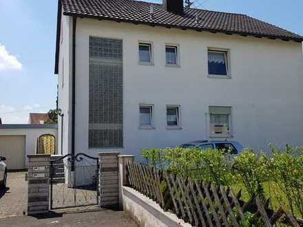 Gepflegtes 2 Familiehaus mit großem Grundstück in ruhiger Wohnlage Rennertshofen
