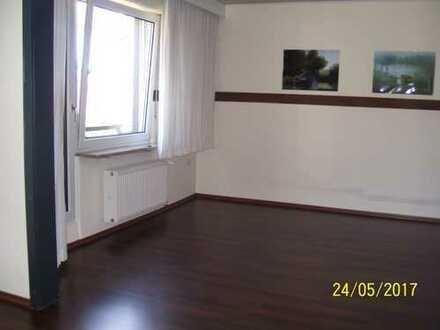Günstige, 3-Zimmer-Wohnung mit 2 Balkone und Einbauküche in Schwandorf