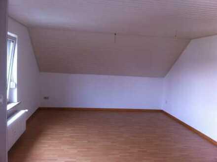 Schöne 3-Zimmer-DG-Wohnung zur Miete in Duderstadt