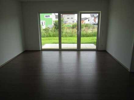 Stilvolle, neuwertige 3-Zimmer-Erdgeschosswohnung mit Terrasse Einbauküche in Riedstadt-Crumstadt