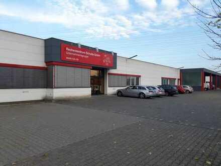 Vermietete Gewerbehalle mit Freifläche und Photovoltaikanlage (auch als Kapitalanlage geeignet)