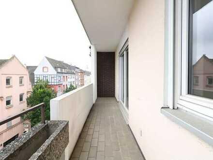Herrliche 3 Zi. Whg mit Balkon!