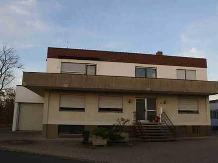 Gewerbeobjekt im Industriegebiet Nürnberg-Boxdorf mit traumhafter Penthaus Wohnung
