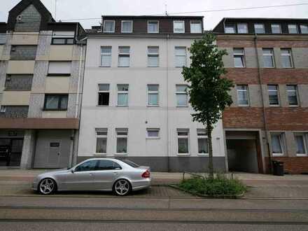 Solides Investment mit Potenzial: Gepflegtes Mehrfamilienhaus mit fünf Garagen in Erle