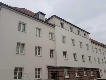 Dachgeschosswohnung in Kleinzschocher in ruhiger Lage 3 Zimmer mit Einbauküche, Wannenbad