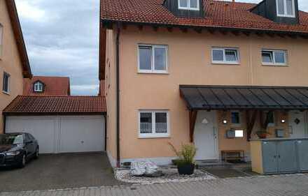 Schöne, helle und geräumige DHH mit fünf Zimmern in München (Kreis), Taufkirchen