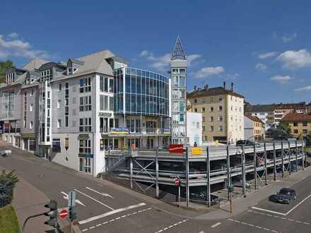 Überdachter Stellplatz in Parkdeck, Fußgängerzone Pirmasens