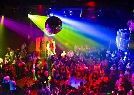 Geschäftshaus - Gastronomie - Disco - Club - Events - 24 h Betrieb - über 400 PKW Pl. direkt am Haus