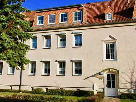 HORN IMMOBILIEN ++ Neubrandenburg Vogelviertel vermietete 2-Raum Eigentumswohnung (Dachgeschoss)