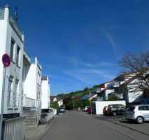2-Zi. Maisonette-Whg. im Dachgeschoß in Rottenburg, Südlage, EBK, 2 Balkonen,WC, etc.
