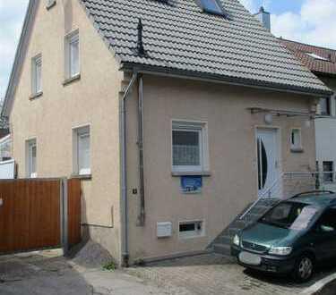 Kieselbronn- Das ideale Familienhaus mit kleinem Nebengebäude