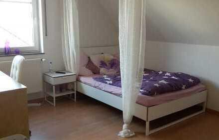 3 freie Zimmer in netter Mädels WG